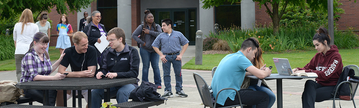 Students gathered in Puyallup courtyard