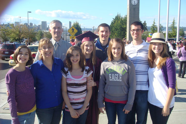 cynthia jacobsen and her family and a graduation
